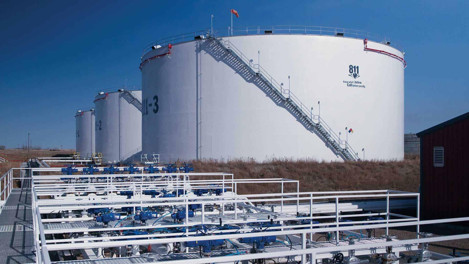 كيف يتم تصميم الخزانات النفطية وتصميم اسس الخزانات النفطية؟